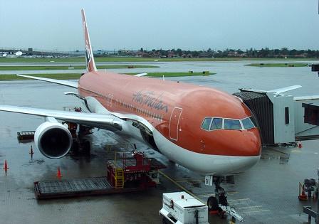 australian airplane at sydney airport