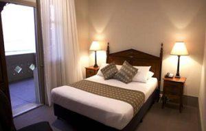hotel bondi room